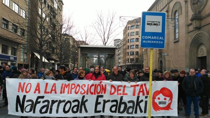 Tren sozialaren alde eta inposizioen aurkako protesta